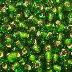 GLASS BEADS 2MM EMERALD